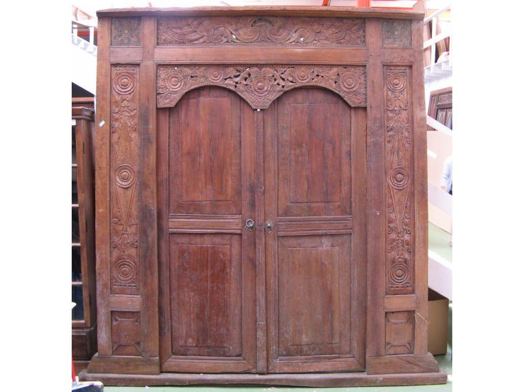 Puerta tallada de teca antigua campoloco muebles y for Puertas de campo antiguas