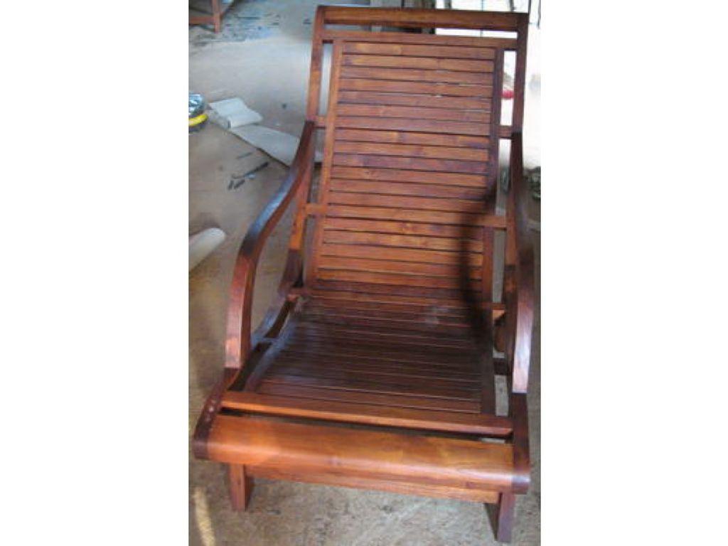 Tumbona de teca con taburete campoloco muebles y decoraci n for Muebles de teca interior
